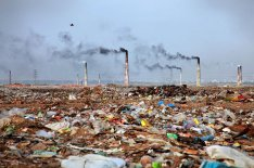 20-shocking-photos-of-humans-slowly-destroying-planet-earth-17