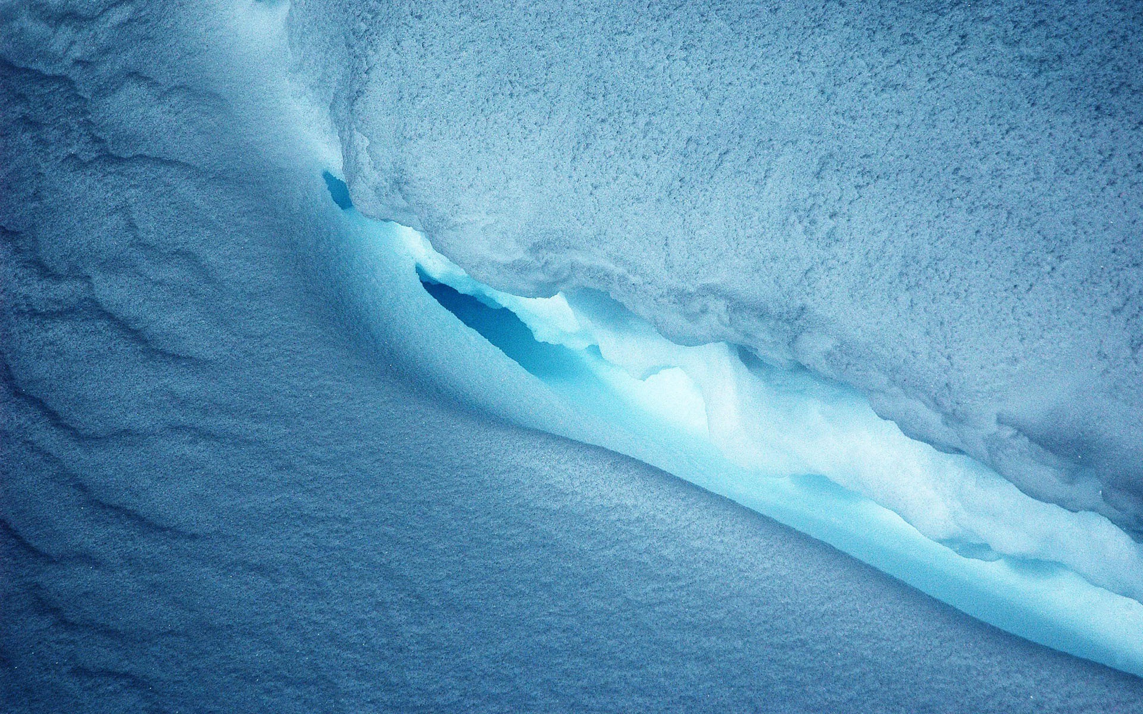 ice_cave_blue_104138_3840x2400