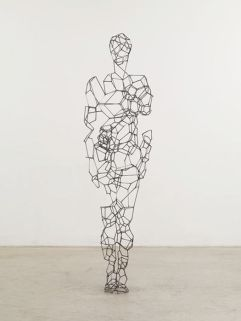 7a14868ae7e3689f2ba91265c752475e--antony-gormley-wire-art